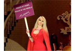Barbie'den Atatürk'lü mesaj