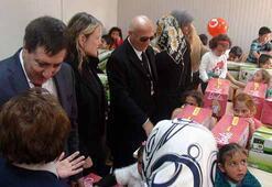 Suriyeli çocuklar oyuncaklarına kavuştu