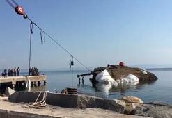 Batan geminin ön kısmı balonlarla su yüzüne çıkarıldı