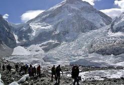 Everest Dağında çığ düştü