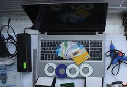 ATM'lere düzenek yerleştiren şüpheliler suçüstü yakalandı