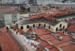 Kapalıçarşının çatısına son kiremitler döşeniyor