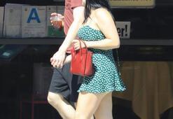 Ariel Winter mini elbisesine hakim olamadı