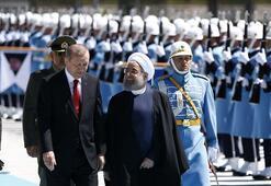 İran lideri Ruhani Cumhurbaşkanlığı Külliyesinde