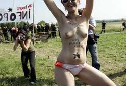 G-8 Zirvesinde ilginç protesto