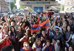 Son dakika: Kremlin'den beklenen haber Ermenistan'daki karışıklığa...