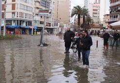 Fırtına kenti felç etti