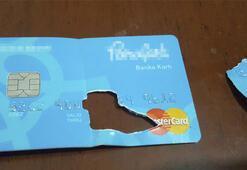 Gaybubet evinde banka kartının çipini yutarken yakalandı