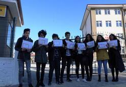 Hacizli okulun öğrencilerinden karne protestosu