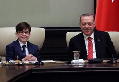 Cumhurbaşkanı Erdoğanın koltuğuna 12 yaşındaki Fatih oturdu