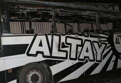 Altay Kulübüne ait takım otobüsü yandı