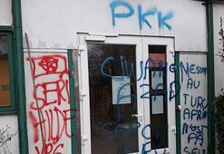 Fransada PYD/PKK yandaşlarından camiye saldırı