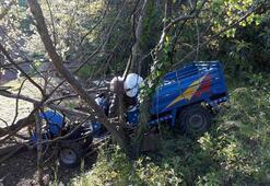 Yoldan çıkan aracıyla ağaç arasına sıkışan yaşlı adam hayatını kaybetti