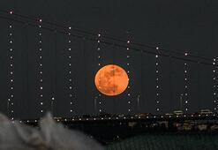 İstanbuldan ve dünyadan kanlı ay manzaraları