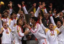 Galatasarayın UEFA Kupası zaferinin 15. yıl dönümü