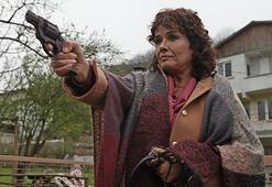 Müjde Ardan silahlı sahne