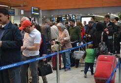Sabiha Gökçende 23 Nisan yoğunluğu: 450 bin yolcu bekleniyor