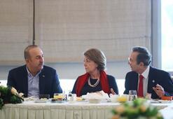 Çavuşoğlu, Sultan Abdülhamidin torunlarıyla buluştu