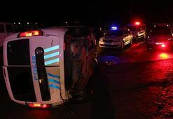 Aydında otomobil polis aracına çarptı: 2 yaralı