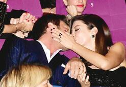 Başak Dizerden Kıvanç Tatlıtuğa öpücüklü kutlama
