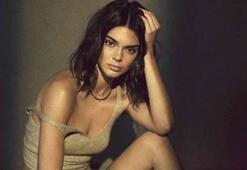 Siyah beyaz Kendall Jenner