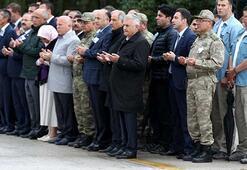 Şehitler için düzenlenen törene Başbakan da katıldı