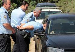 Polisten kaçan şüpheliler narenciye bahçesinde arandı