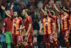 Fenerbahçe Futbol Vakfından Galatasaraya kutlama