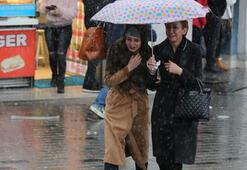 Fırtına İstanbulu vurdu Yağmur doluya döndü