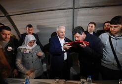 Başbakan Yıldırım İzmirde şehit astsubayın mevlidine katıldı