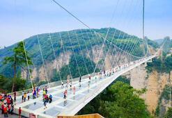 Zhangjiajie Cam Köprüsü büyük ilgi görüyor