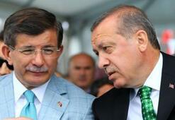 Erdoğandan Davutoğluna: Kendini çok yoruyorsun