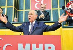 Bahçeli siyasi gündemi yine değiştirdi 26 Ağustos'ta seçim çağrısı