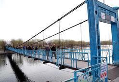 Bu köprüyü bilerek sallayana 109 lira para cezası