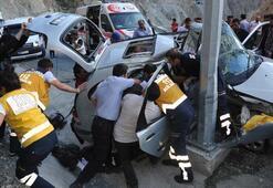 Kızlarının mezuniyetine giderken acı kaza