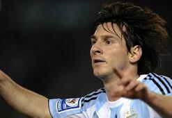 Sakat Messi 200 bin dolar için kadroda