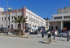 Son dakika... Afrinde doğu ve batı cephesi birleşti Halk YPG binasını yağmalıyor
