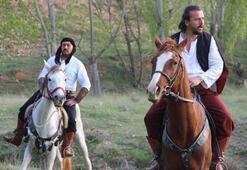 Atalarını ziyaret için at üzerinde 100 kilometre yol yaptılar