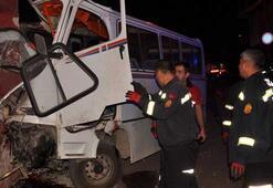 İşçileri taşıyan minibüs kaza yaptı: Ölenler ve yaralananlar var