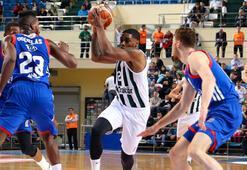 Sakarya Büyükşehir  Belediyespor: 74 - Anadolu Efes: 100