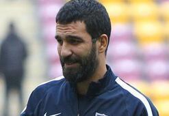 Galatasaray taraftarından Arda Turana ıslık