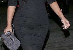 Kim Kardashiandan seksi hamile elbisesi