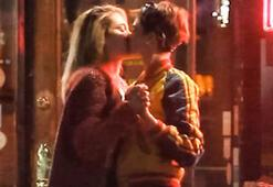 Cara Delevingne ile Paris Jackson dudak dudağa yakalandı