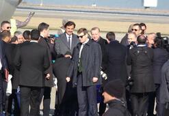 Erdoğan, Katar Emirini havaalanında karşıladı