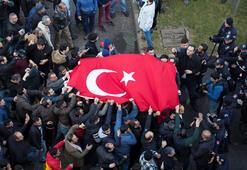 İzmirdeki terör saldırısı dünyada son dakika haber olarak geçti