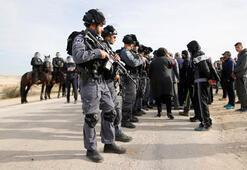 İsrail askerlerinden yıkım baskını