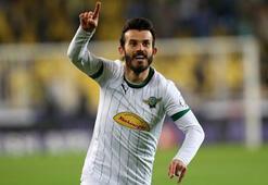 Eski Galatasaraylı transferi açıkladı