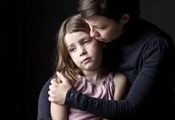 Yalnız anneler güçlü, babalar kuşatılmış hissediyor