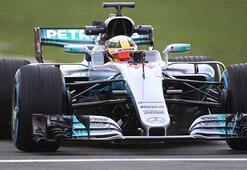 Mercedesin 2017 Formula 1 aracı W08 resmen tanıtıldı