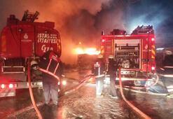 İstanbul Sultangazide ambalaj atığı tesisinde yangın